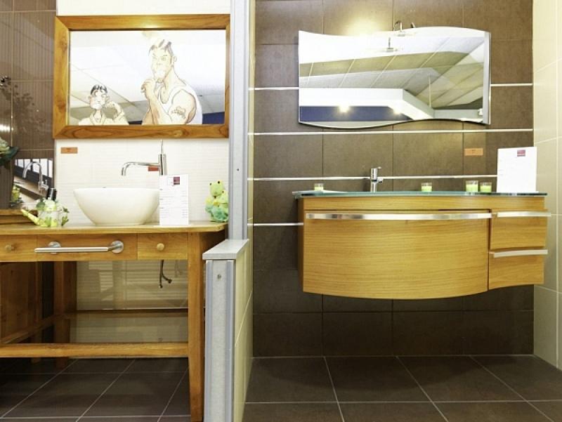 d corer les murs de votre salle de bain plus que pro. Black Bedroom Furniture Sets. Home Design Ideas