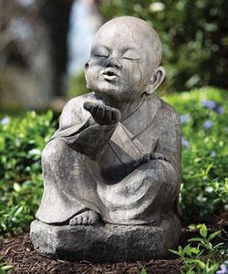 Les plus belles statues de jardin - Tete de bouddha en pierre pour jardin ...